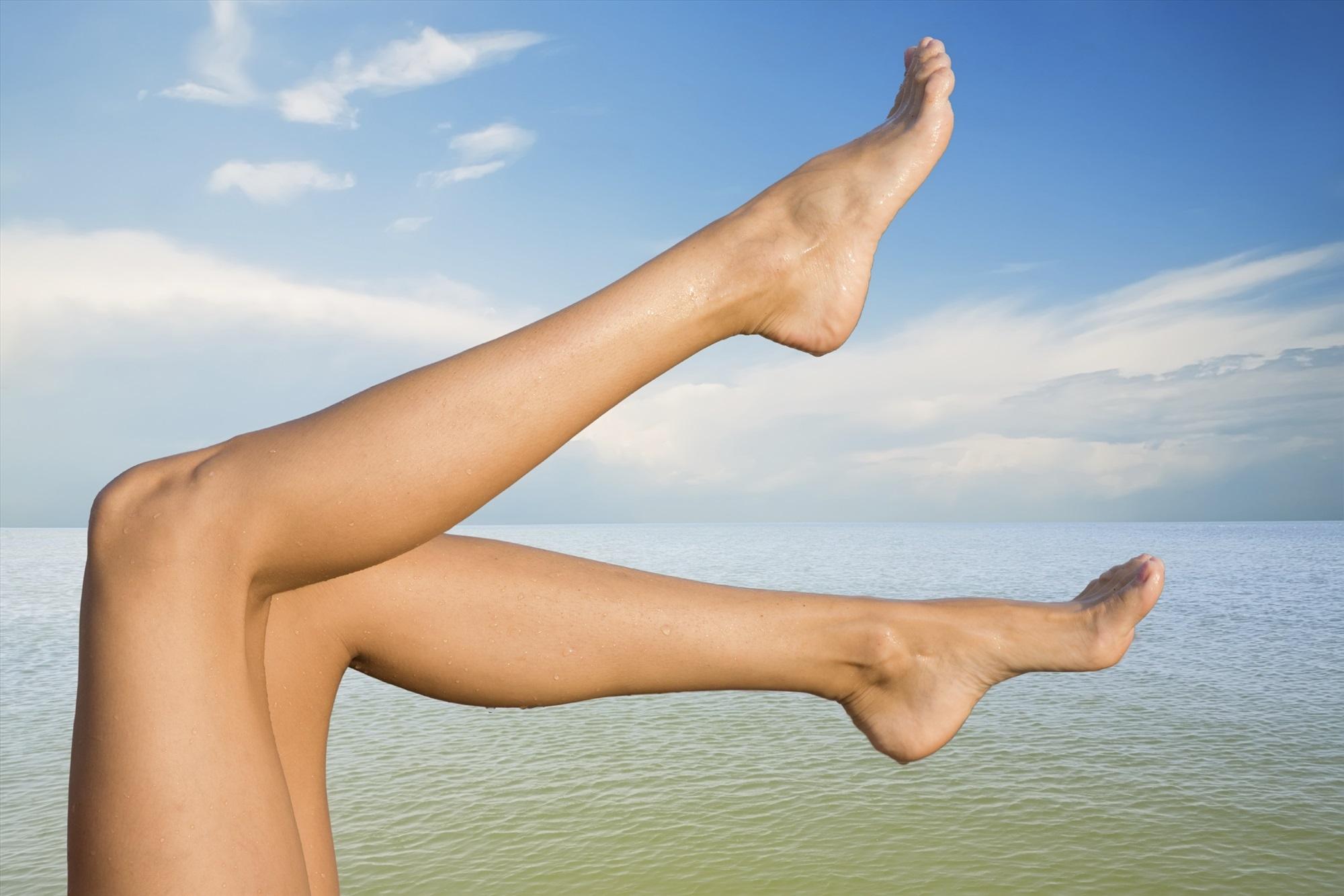относится картинки женских ноги многолетний опыт